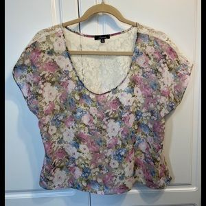 Soprano Semi Sheer Top Sz S Floral Front Lace Back